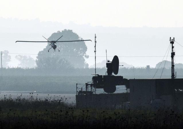 Drone do Exército israelense aterrissando em aeródromo nas Colinas de Golã, anexadas a Israel (imagem de arquivo)