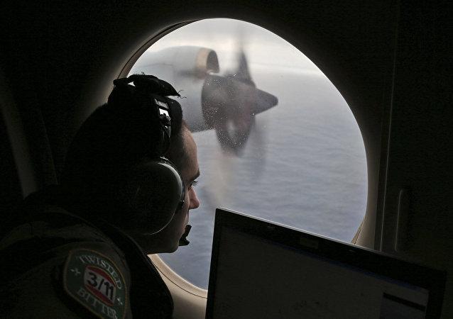Real Força Aérea da Austrália realiza busca pelo avião desaparecido do voo MH370