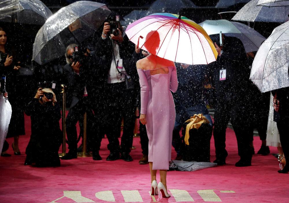 Atriz Renée Zellweger na estreia do filme Judy em Londres, Inglaterra