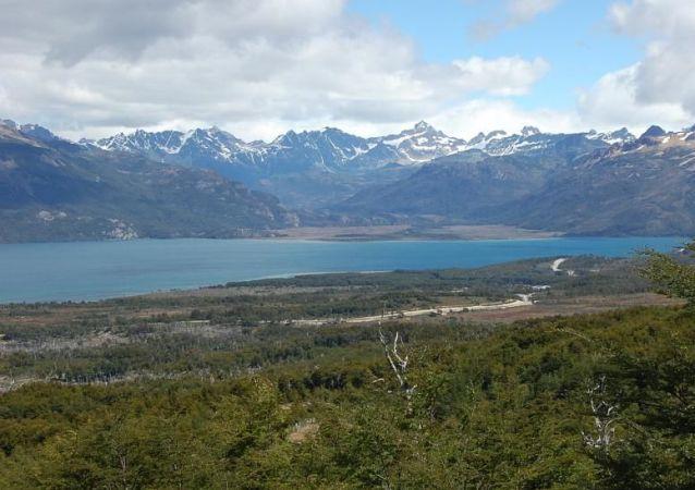 Lago Fagnano, situado no arquipélago da Terra de Fogo