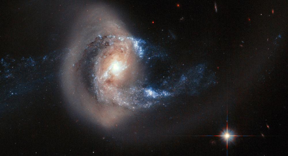 Galáxia espiral NGC 7714 e NGC 7715 a 100 milhões de anos da Terra