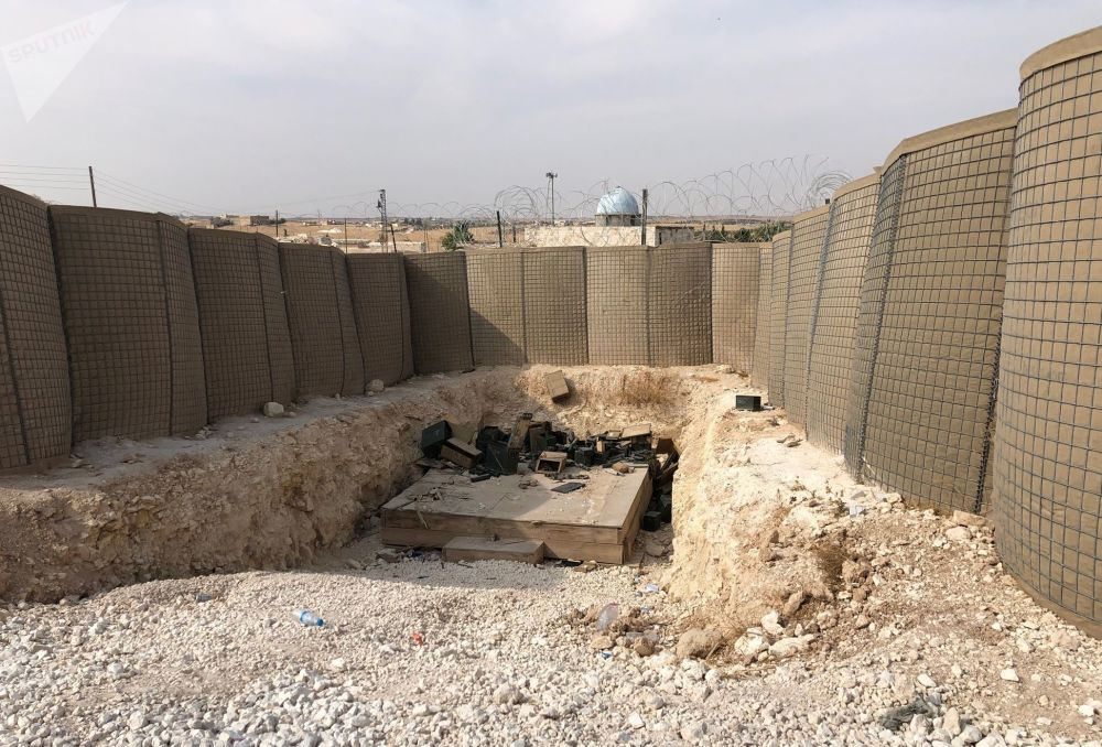 Base de coordenação aérea do Exército dos EUA abandonada em Dadat, nos arredores de Manbij, nordeste da Síria