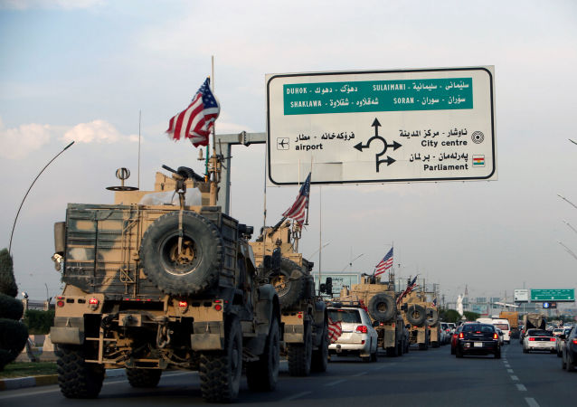 Comboio de militares dos Estados Unidos deixando a Síria.