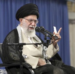 O Líder Supremo do Irã, Ali Khamenei discursa em Teerã, no Irã.