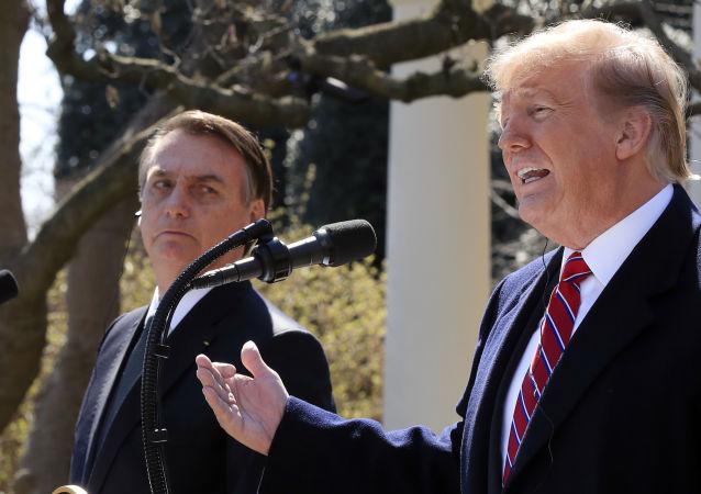 Jair Bolsonaro ao lado de Donald Trump na Casa Branca, em Washington, em 19 de março de 2019