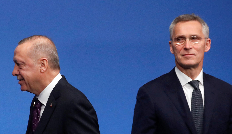 Presidente da Turquia, Recep Tayyip Erdogan, e o secretário geral da OTAN, Jens Stoltenberg, durante conferência de líderes da aliança, em 4 de dezembro de 2019