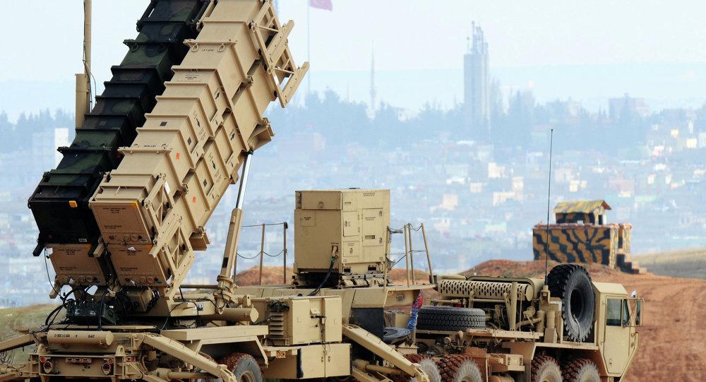 Um sistema de lançamento de mísseis Patriot na base de Gaziantep, na Turquia, em 5 de fevereiro de 2013. Foto de arquivo