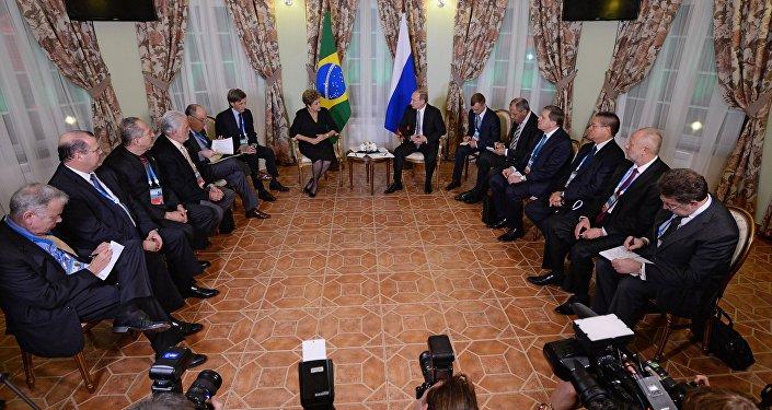 Encontro entre Dilma Rousseff e Vladimir Putin em Ufá
