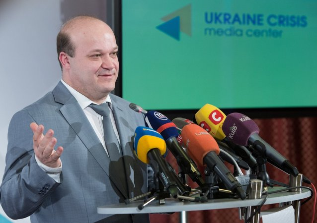 Deputy Head of the Ukrainian Presidential Administration Valery Chaly addresses a briefing in Kiev