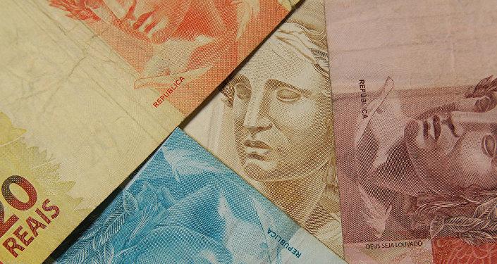 Segundo pesquisa da Universidade Federal Fluminense (UFF), a contaminação das notas de real segue o mesmo padrão de disseminação em euros e dólares