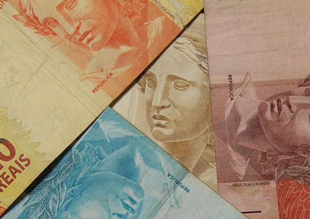 Economista da CNI defende aumento da competitividade da indústria como possível saída para crise econômica