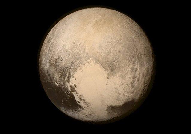 Sonda New Horizons da Nasa registra imagens do Plutão