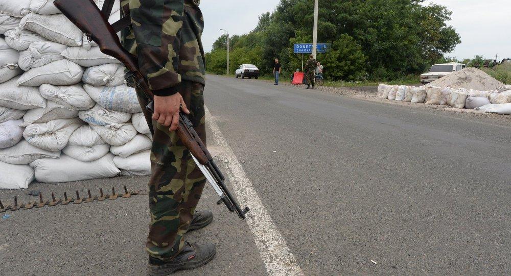 Posto de checagem em Debaltsevo, na região de Donetsk