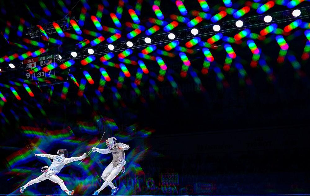 Yuki Ota e Gerek Meinhardt na semifinal do Campeonato Mundial de Esgrima em Moscou