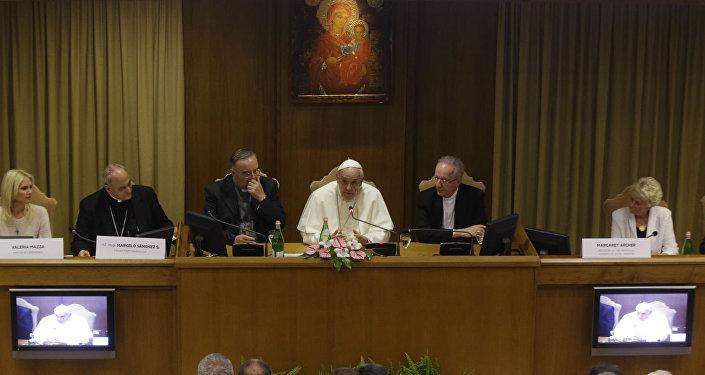 Papa Francisco se reúne com prefeitos de 70 cidades de diversos países.