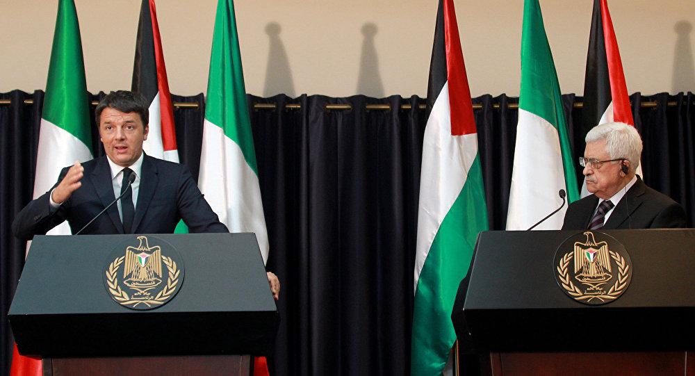 O premier da Itália, Matteo Renzi, em encontro com o presidente da Autoridade Nacional Palestina, Mahmoud Abbas