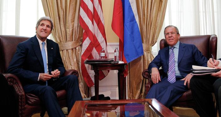John Kerry e Sergei Lavrov em Vienna em 30 de junho, 2015