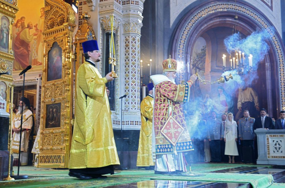 O patriarca de Moscou e de toda a Rússia conduz missa na Catedral do Cristo Salvador pela ocasião de 1000 anos da morte do príncipe Vladimir I