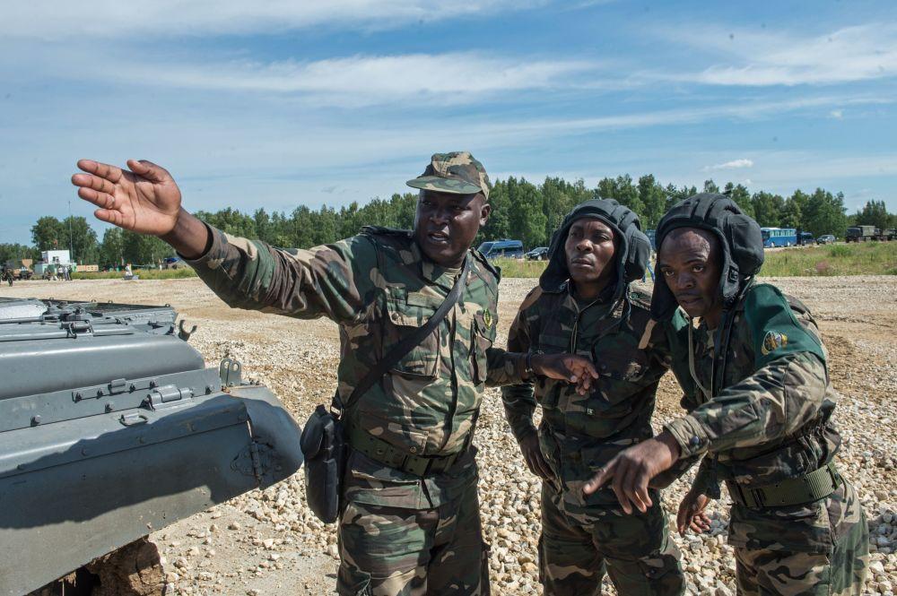 Militares das Forças Armadas de Angola.