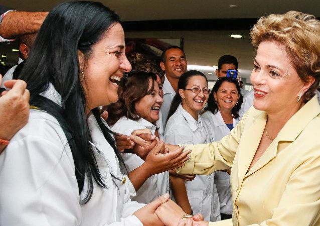 Dilma durante cerimônia de celebração de 2 anos do Programa Mais Médicos