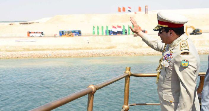 Abdul Fattah Khalil al-Sisi, presidente egípcio, visita a cerimônia de abertura da nova via do canal de Suez na cidade de Ismailia
