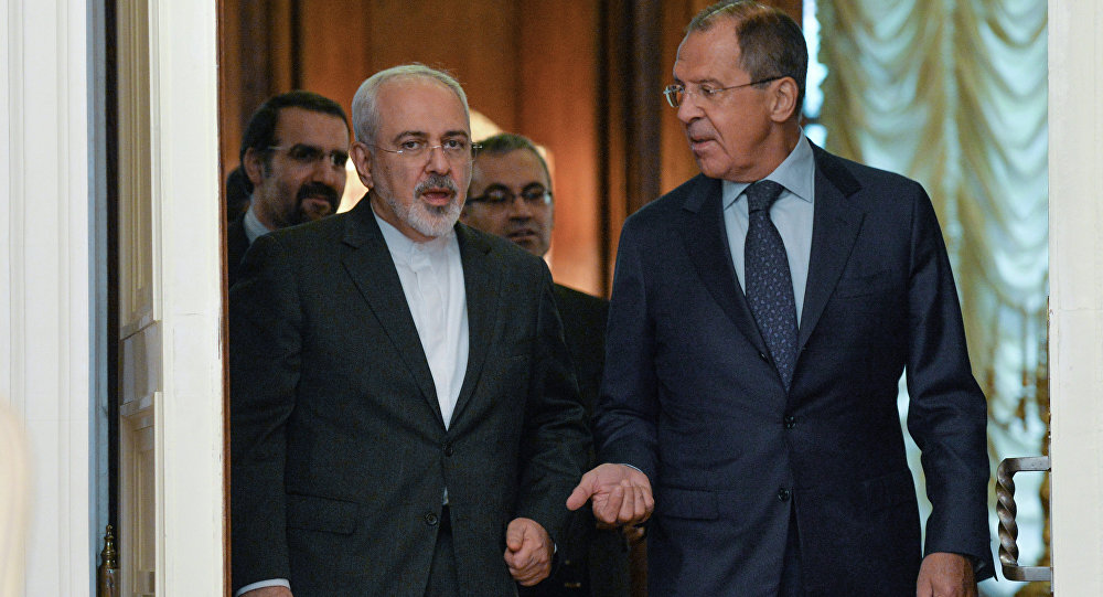 Ministro das Relações Exteriores do Irã M. Zarif e seu homólogo russo S. Lavrov