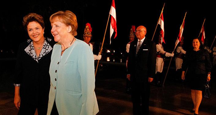 Presidenta Dilma Rousseff durante jantar de trabalho com a Chanceler da Alemanha, Angela Merkel