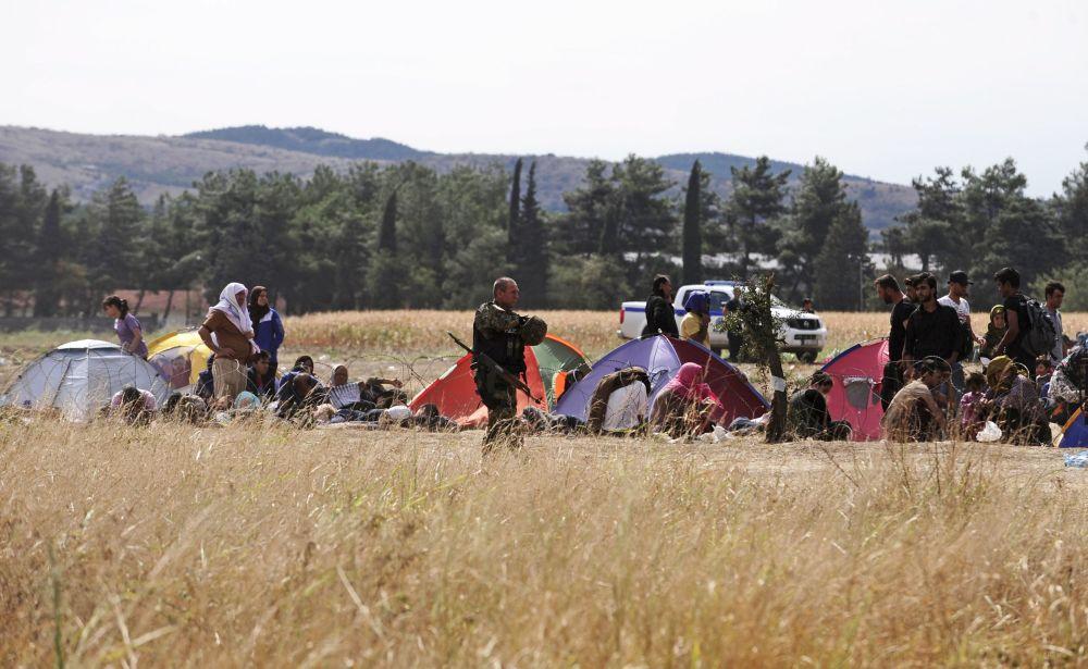 Polícia da Macedônia protege fronteira de imigrantes