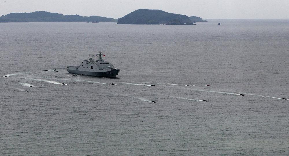Os exercícios sino-russos Cooperação Naval 2015 em Vladivostok