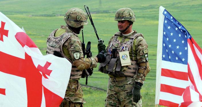 Militares georgianos participam dos exercícios conjuntos da OTAN