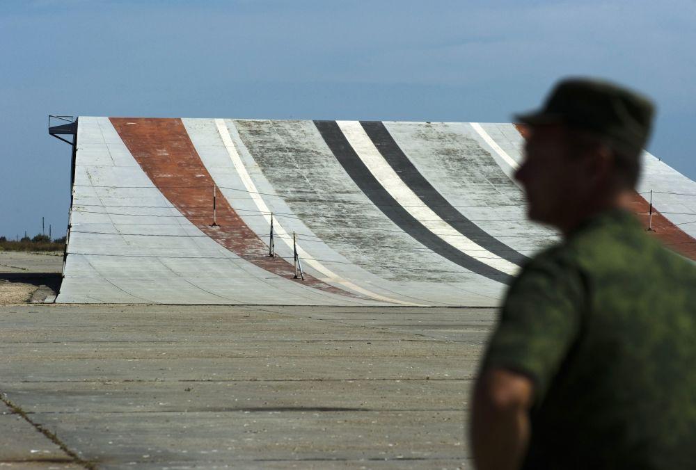 Polígono de sistemas de decolagem e aterrissagem para forças da aviação naval Nitka na Crimeia (Rússia).