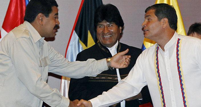 Nicolás Maduro, Evo Morales e Rafael Correa durante abertura de cúpula da Aliança Bolivariana para as Américas (ALBA) - julho de 2013