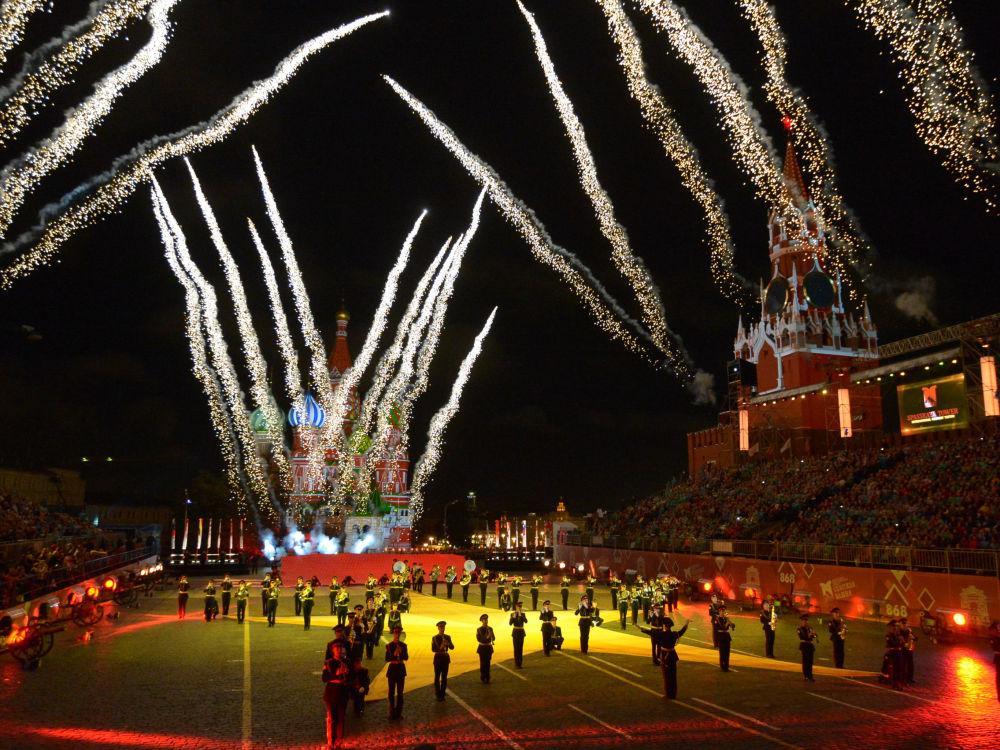 Inauguração do Oitavo Festival Internacional de Música Militar Spasskaya Bashnya na Praça Vermelha