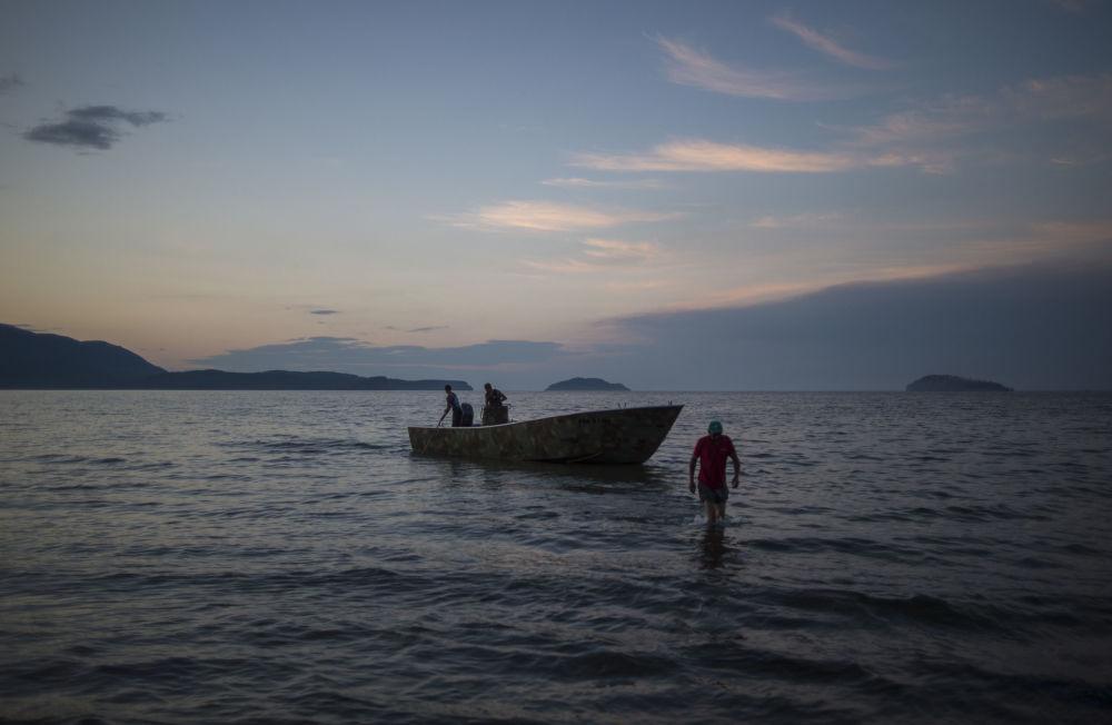 Baía Zmeinaya do lago Baikal