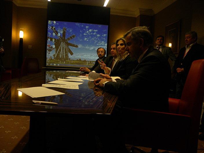 A vice-governadora do estado de Paraná, Cida Borghetti, participa da assinatura de documentos durante o Fórum Empresarial Brasil-Rússia, celebrado em Moscou em 15 de setembro