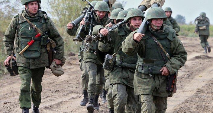 Militares russos em treinamento na região de Kaliningrado