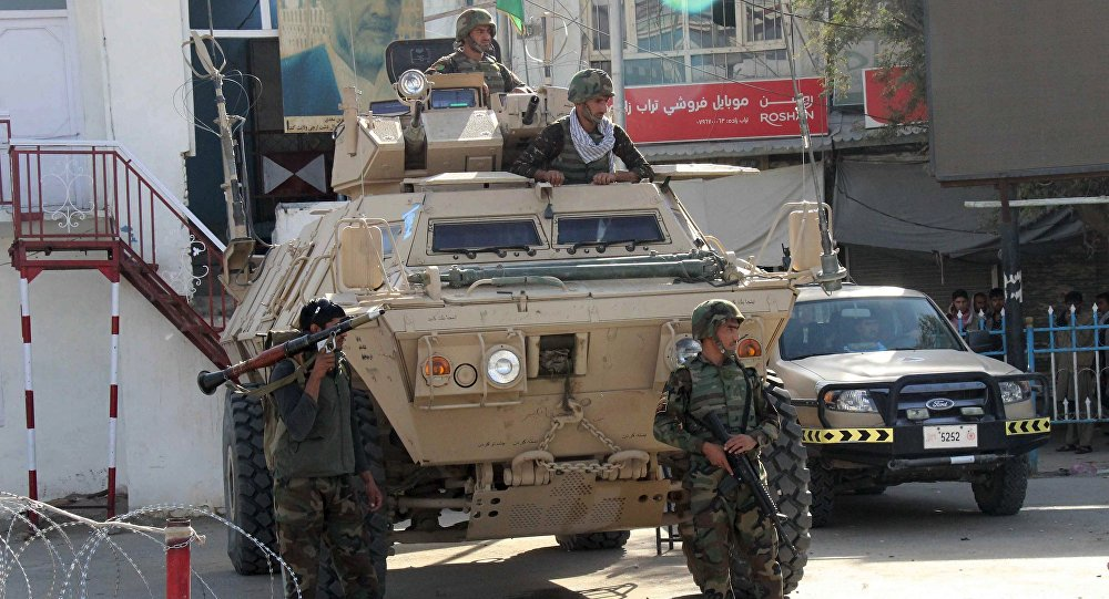 Soldados afegãos durante batalha com Talibã na província de Kunduz