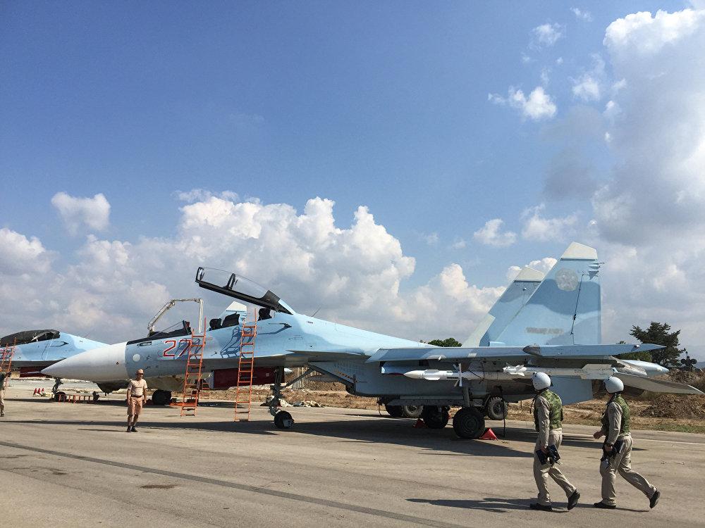 Equipe tática russa no aeródromo de Khmeimim na Síria