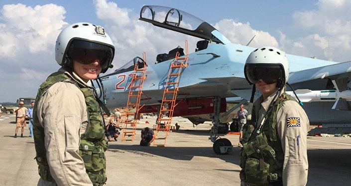 Equipe tática russa no aeródromo de Hmeimim na Síria