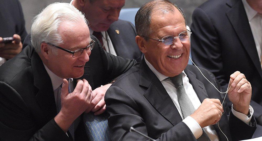 Ministro das Relações Exteriores russo, Sergei Lavrov (direita), e representante permanente da Rússia na ONU, Vitaly Churkin