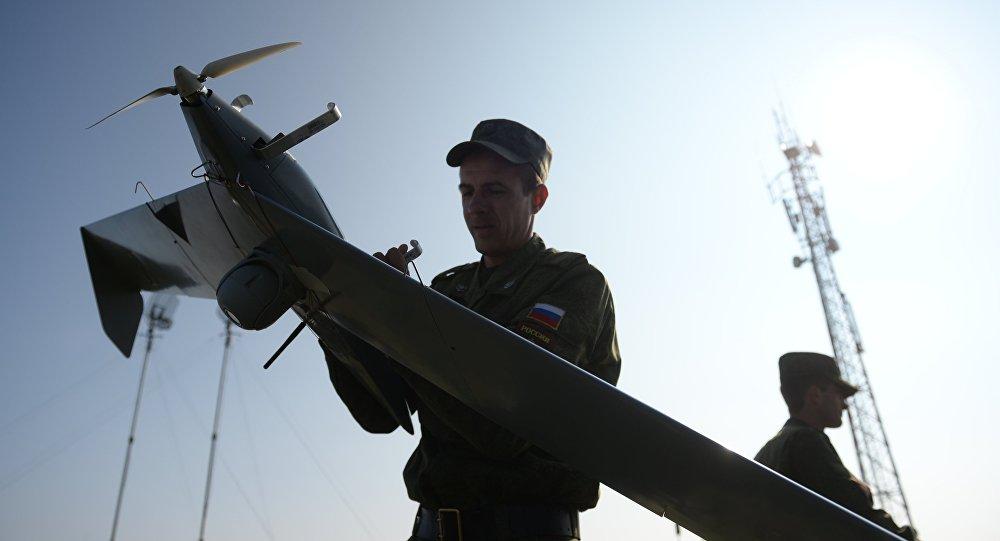 Lançamento de um dronte russo durante exercícios