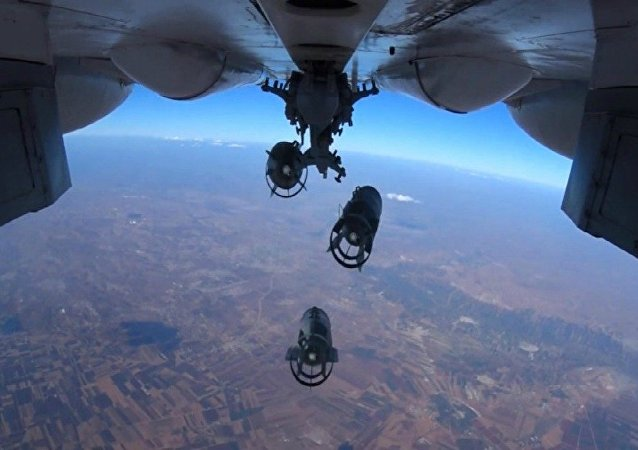Aviação russa realiza ataques localizados contra instalações dos terroristas na Síria