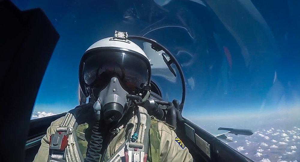 Piloto da Força Aeroespacial russa durante voo de combate na Síria