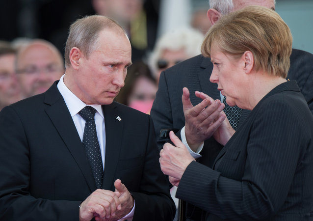 Vladimir Putin, Presidente da Rússia, e Angela Merkel, Chanceler da Alemanha