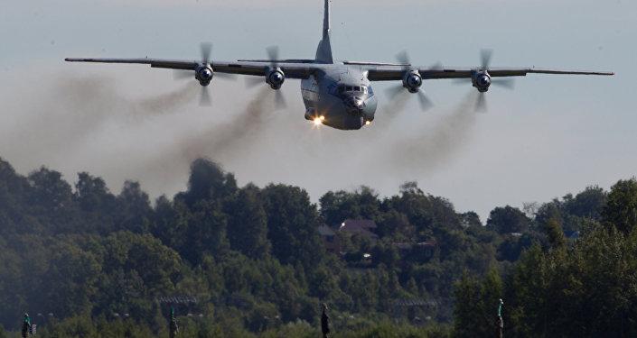 Um An-12 russo (foto de arquivo)