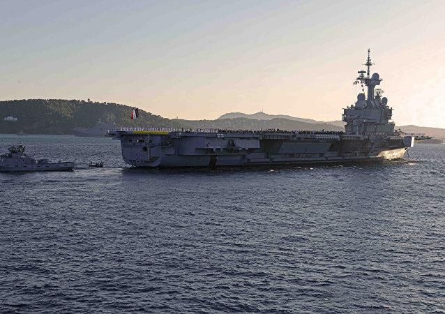 Porta-aviões Charles de Gaulle, da Marinha francesa