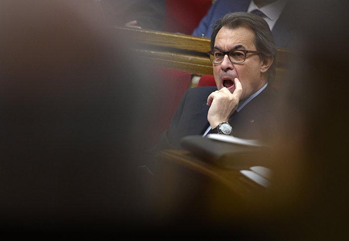 O chefe do governo da Catalunha, Artur Mas, durante a sessão de 9 de novembro