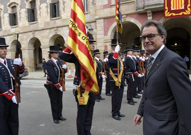 Artur Mas na frente da Generalitat em 26 de outubro