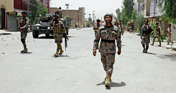 Exército afegão patrulha Cabul, foto de arquivo