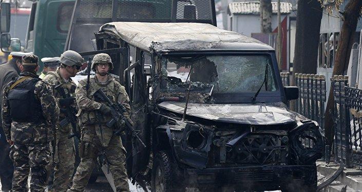 Uma forte explosão atinge o bairro diplomático de Cabul